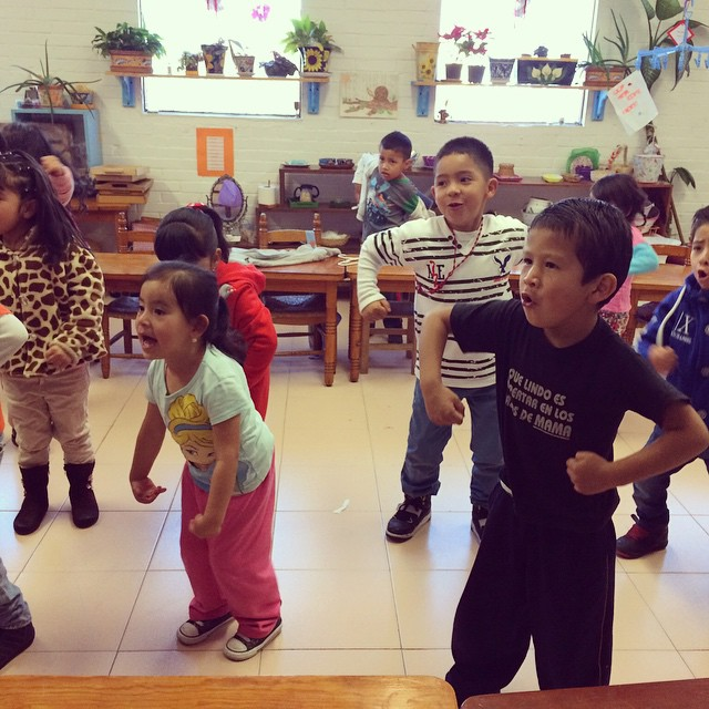 Estábamos bailando la del chango ho ho ho. En el convivio de fin de año #Montessori #FinDeAÑo #Bailando #CancionesDeNiños
